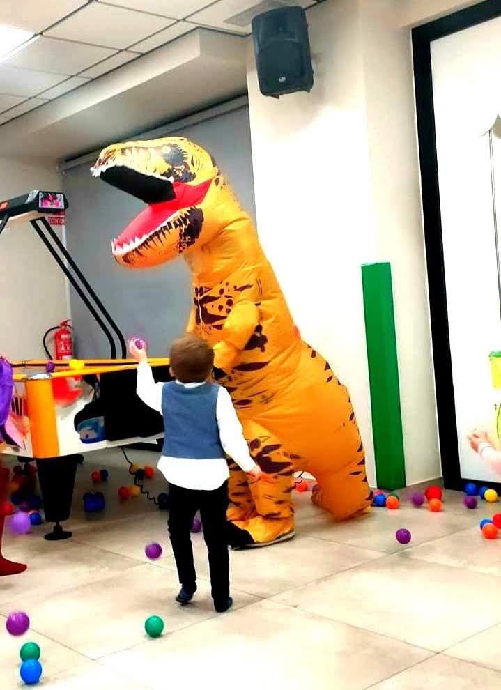 animaciones infantiles con dinosaurios